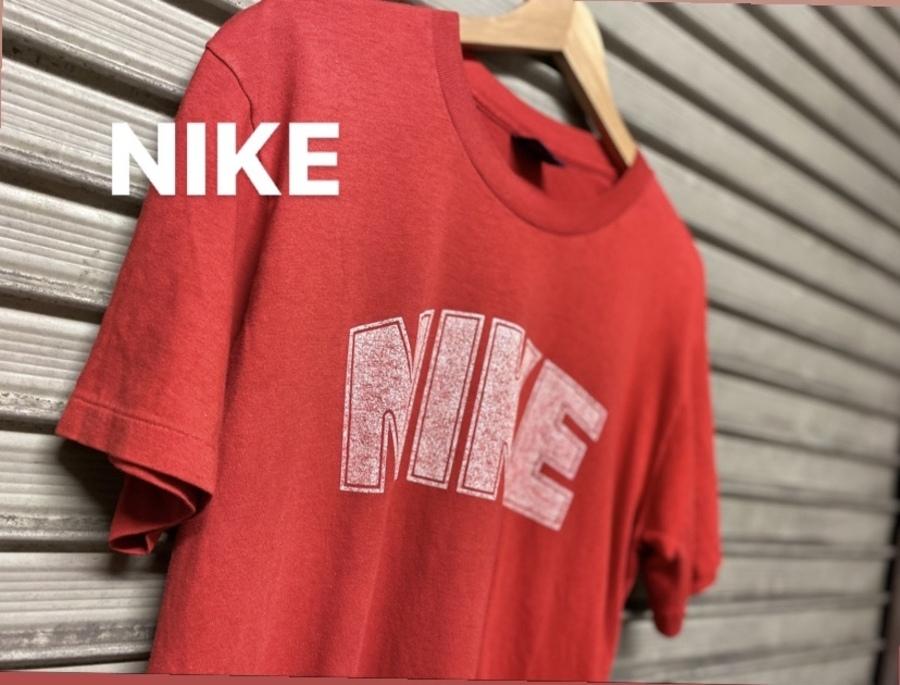 「ヴィンテージアイテムのNIKE 」