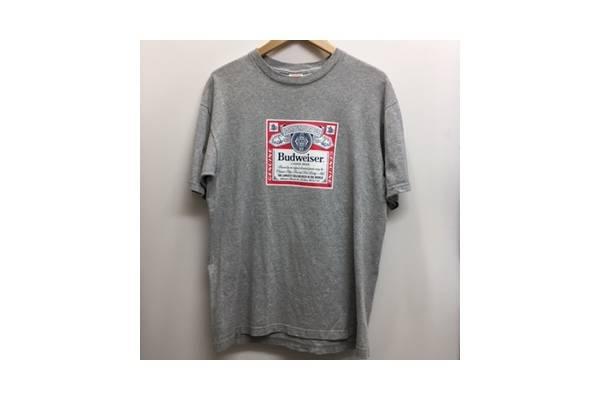 SUPREMEのTシャツ