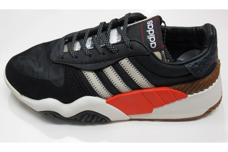 adidas by Alexander Wangのアディダスバイアレキサンダー ワン