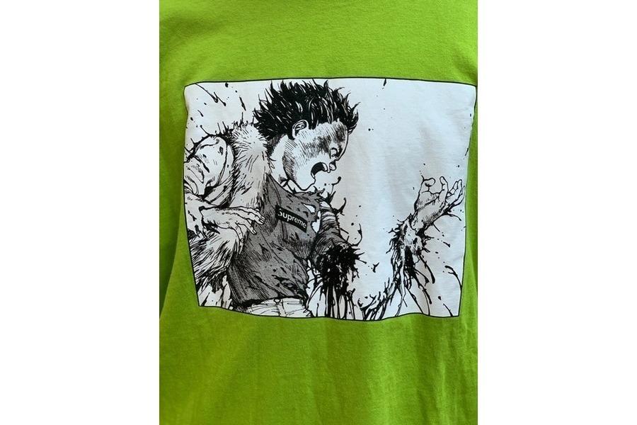 シュプリームのTシャツ