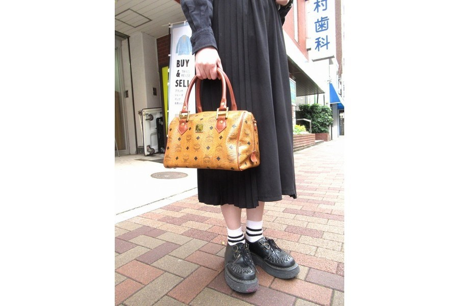 【高円寺店ヴィンテージブログ】MCM/エムシーエムハンドバッグ入荷!