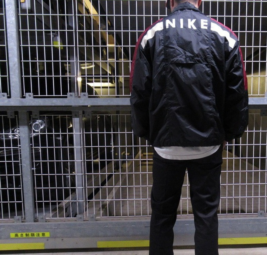 【高円寺店ヴィンテージブログ】90' NIKEのナイロンジャケットが入荷致しました!