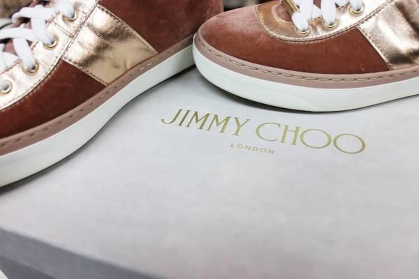 「JIMMY CHOOのジミーチュウ 」