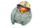 数々の伝説的フライトジャケットを復刻しているアメリカのAVIREX(アヴィレックス)より MA-1 REMODEL MARK2のご紹介です!