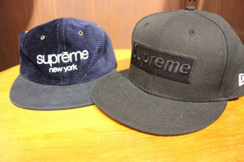 Supremeのcomme des garcons