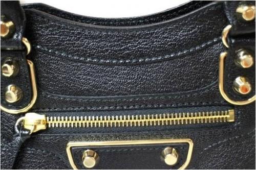 バレンシアガのバッグ
