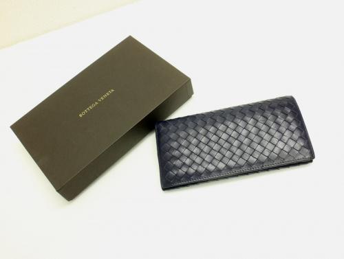 ボッテガベネタの二つ折り長財布