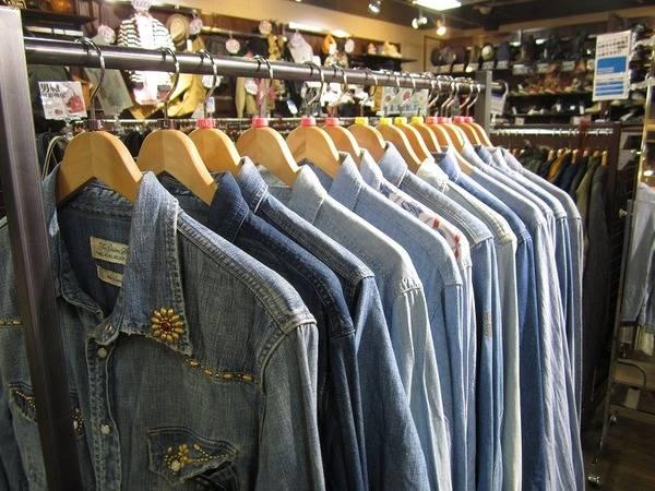 徹底買取強化アイテム!だから揃う品揃え!!デニムシャツ、シャンブレーシャツは高額査定です♪オススメは?