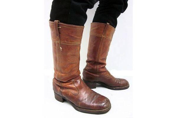 「フローシャイムのブーツ 」