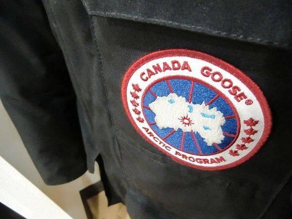 「カナダグースのダウン 」