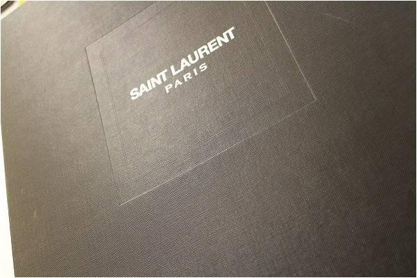 サンローランパリのクラッチバッグ