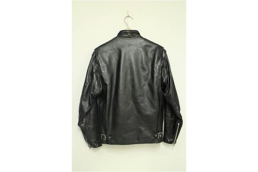 ライダースのレザージャケット