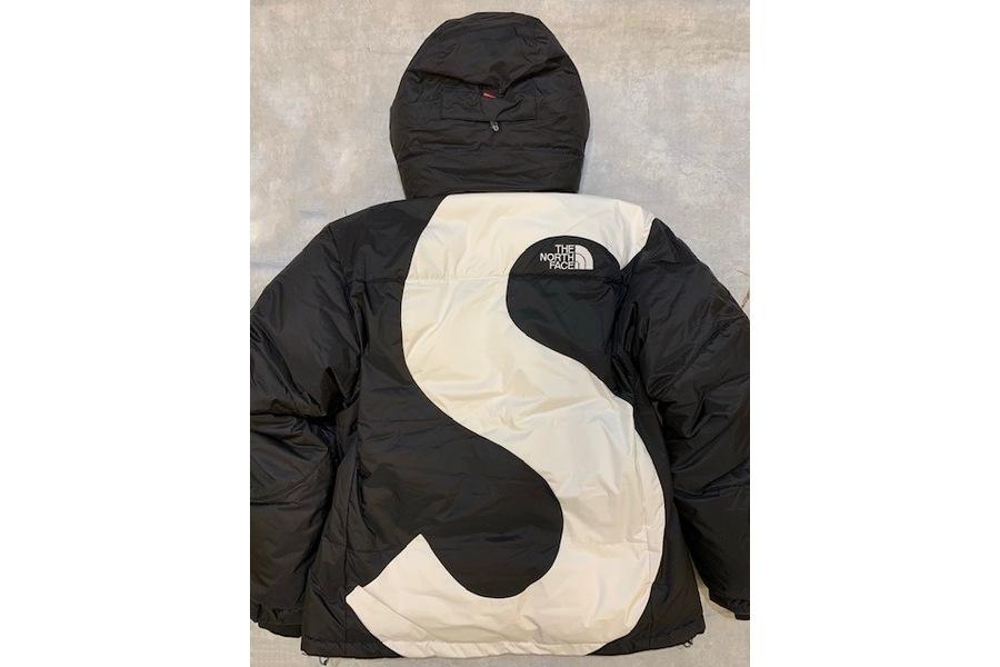 ザ ノース フェイス × シュプリームのダウンジャケット