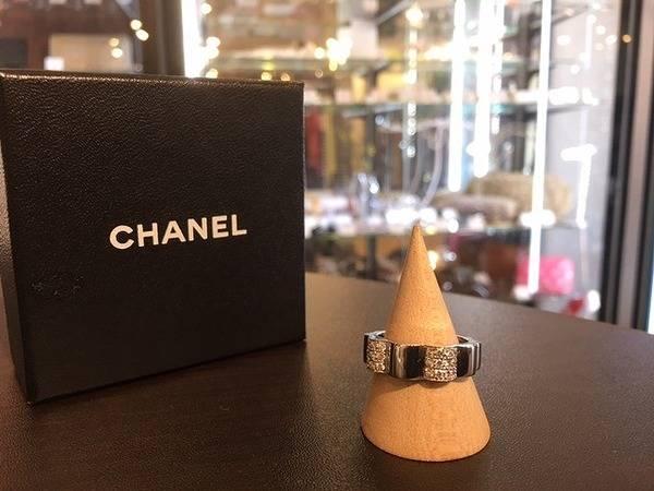 CHANEL/シャネルの象徴『カメリア』に装飾されたダイヤ。。。とっておきのダイヤリング入荷。【トレファクスタイル川越店】