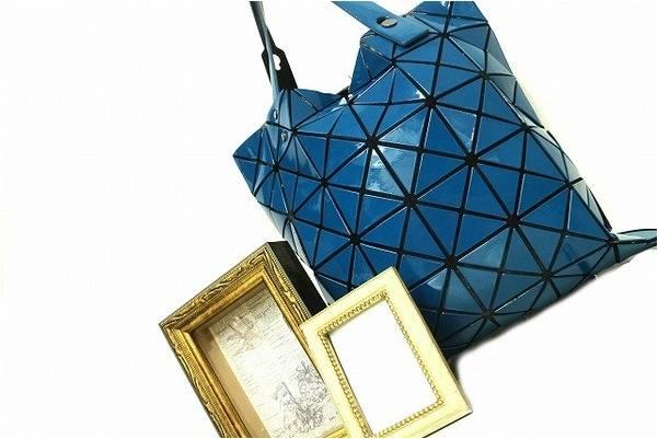 三角形のピースを組み合わせた独特なデザインBAO BAO ISSEY MIYAKE入荷いたしました。【古着買取トレファクスタイル川越店】