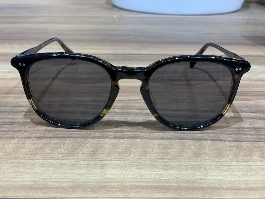 オリバーピープルズのサングラス