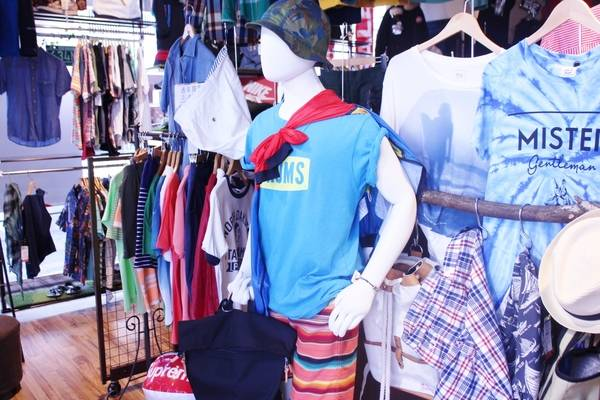 「夏物のポロシャツ 」