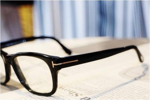 橋本の伊達眼鏡