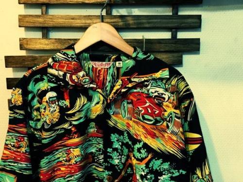 イベントなうのアロハシャツ
