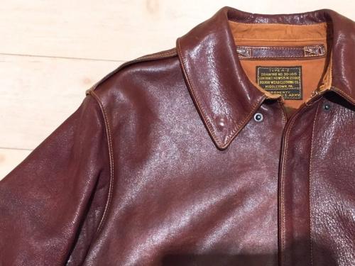 レザーのフライトジャケット