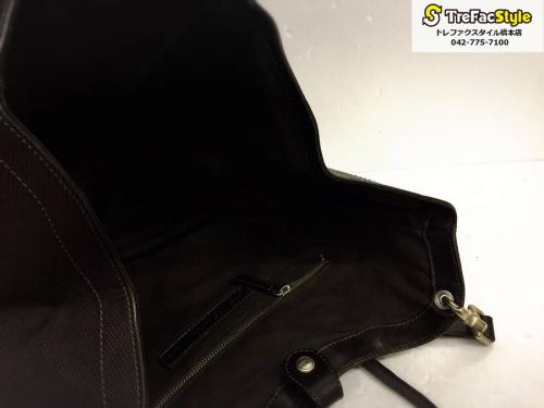 橋本店のレザーバッグ
