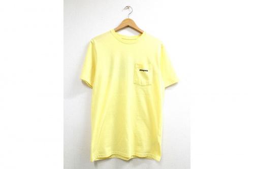 Tシャツのロゴアイテム