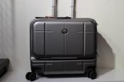 orobianco / オロビアンコ から持ち運び最適なスーツケースの入荷!