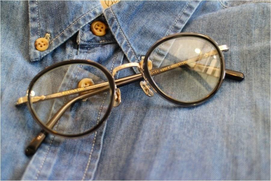 「伊達眼鏡のアイヴァン 」