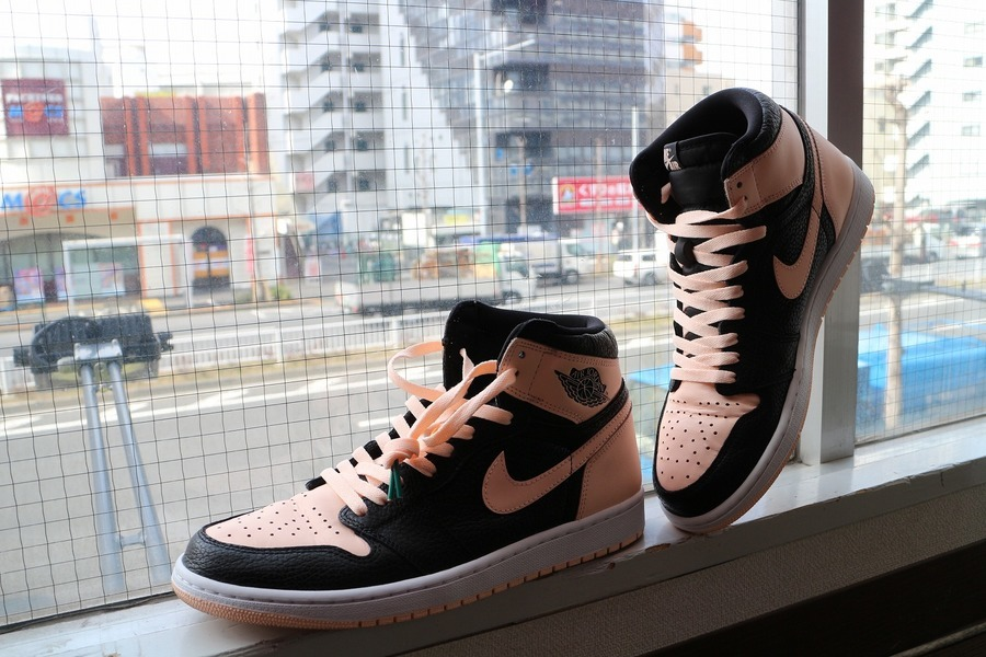 「スニーカーのNIKE AIR JORDAN 1 RETRO HIGH OG 」