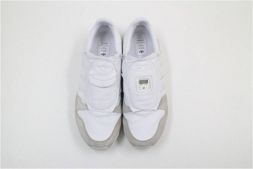 adidasのMICROPACER