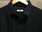 whowhat〔フーワット〕より今風なオーバーサイズのシャツをご紹介!