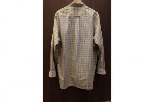 ノゾミイシグロのチェックシャツ