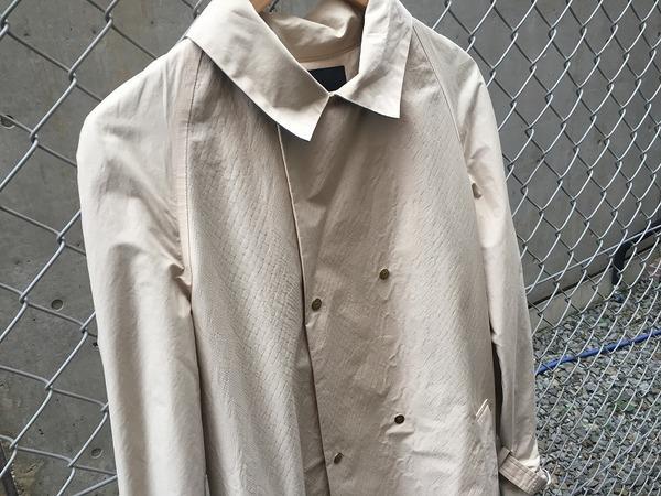 08サーカスのコート
