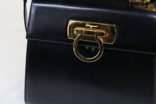高価のバッグ