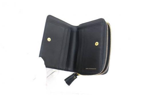 財布のANYA HINDMARCH