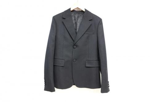 プラダのテーラードジャケット