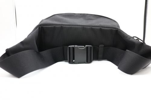 ウエストバッグのショルダーバッグ