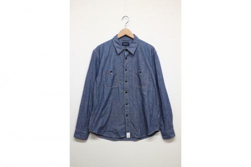 シャンブレーシャツの長袖シャツ