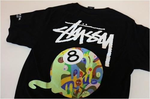 大量買取のロゴTシャツ