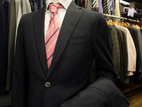 スーツの仙川