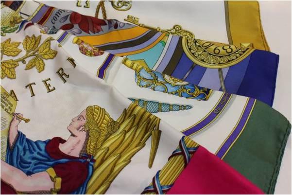 HERMES/エルメスのスカーフで夏に彩りを。