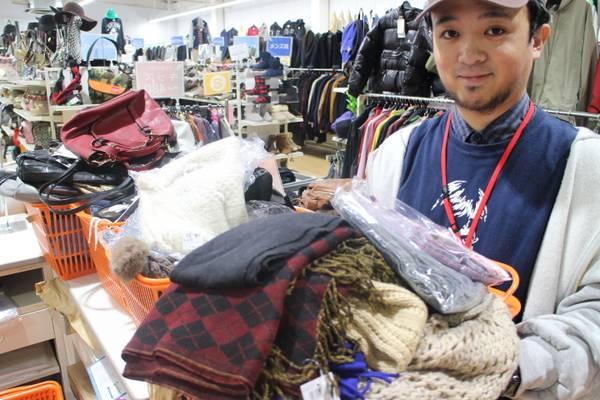 冬物アイテム続々と入荷中!!12月のスタートはお安くオシャレに決めたい方は是非当店へ!入間の最安古着屋-