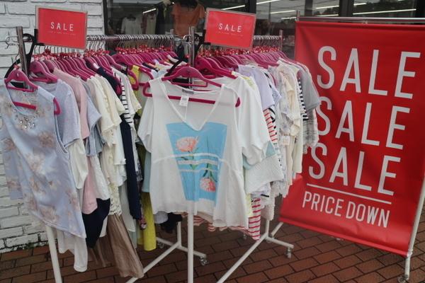 夏物売り切りセール開催中!!!ぜひユーズレット入間春日町店へ!!