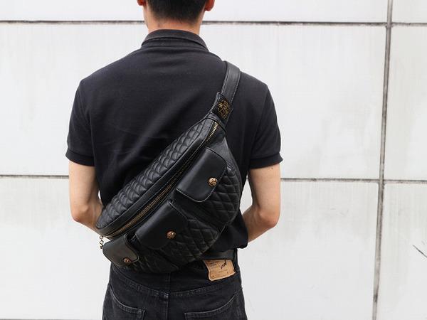 TT&CO/ティーティー・アンドカンパニーから 3ポケットショルダーバックをご紹介致します。