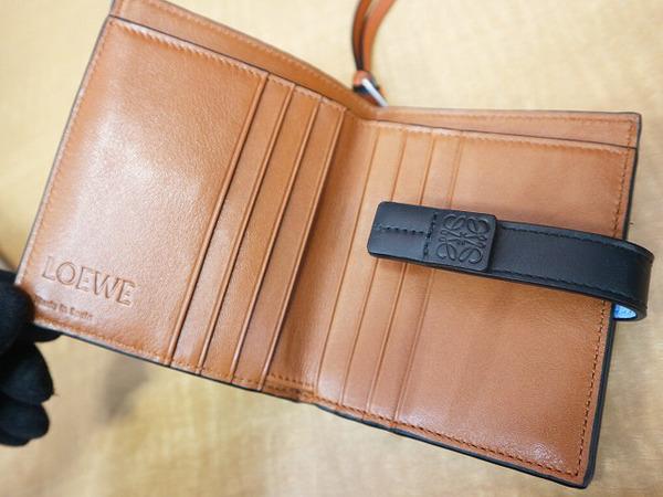 ロエベの財布