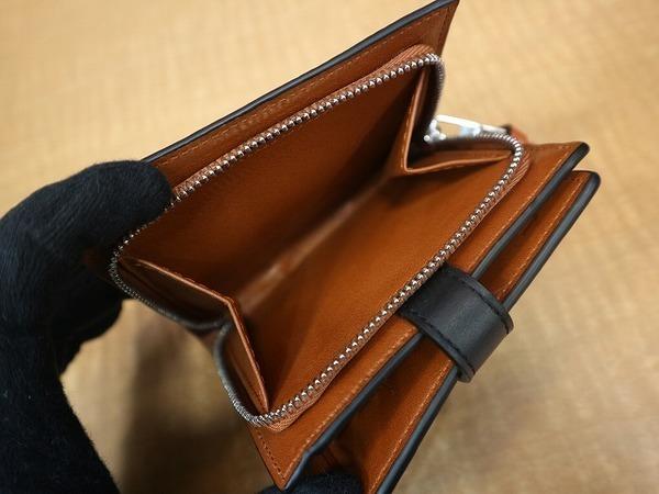 財布のコンパクトジップウォレット