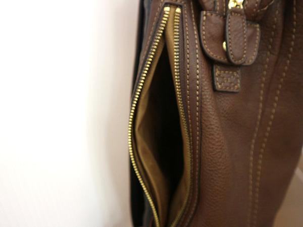 鞄のバックパック