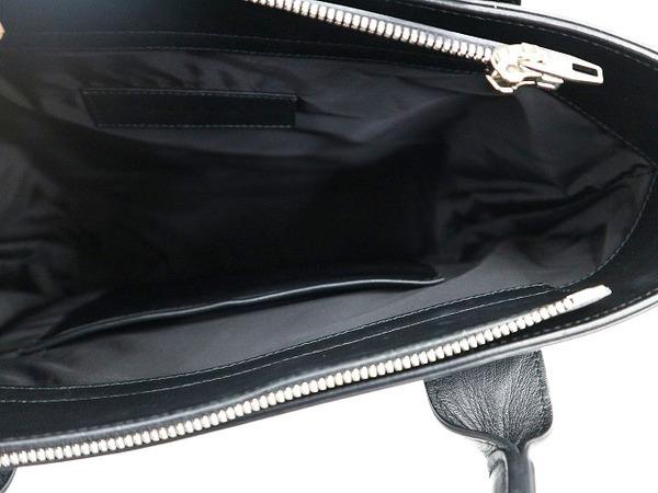 バレンシアガのナイロントートバッグ