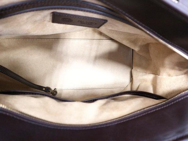 レザーのトートバッグ