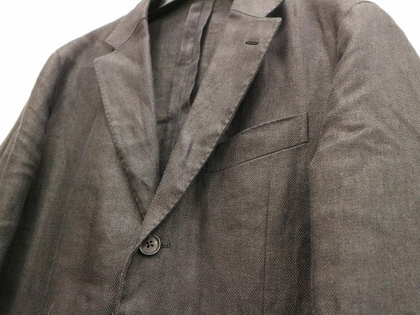 カルーゾのリネンヘリンボーンジャケット